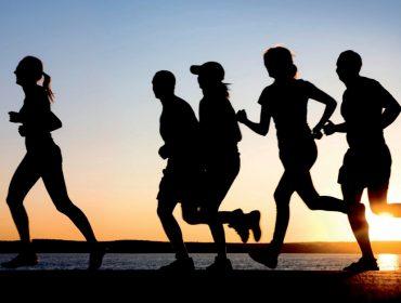 Treinar demais pode comprometer a vida sexual? Como fica a libido de maratonistas e triatletas?
