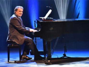 Maestro Eduardo Lages leva grandes sucessos de Roberto Carlos ao Blue Note SP