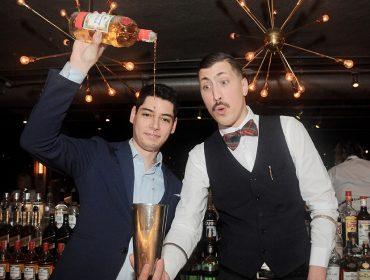 Noite agitada no Seen com drinks mil preparados por Kennedy Nascimento
