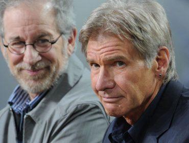 """Diretor da franquia """"Indiana Jones"""", Steven Spielberg diz que atriz pode substituir Harrison Ford no papel-título"""