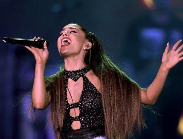 """Números estratosféricos e curiosidades de Ariana Grande no dia em que faz 26: """"Como é o formato do nariz?"""". Oi?"""