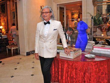Jorge Elias vai vender parte de seu acervo de roupa, joias, móveis e objetos de arte em leilão na Sotheby's