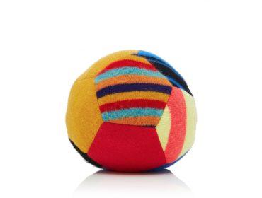 Desejo do Dia: a Soccer Ball de cashmere da The Elder Statesman que é um golaço