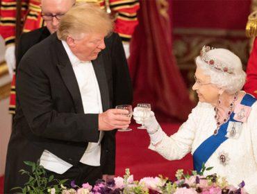 Coincidência? Rainha Elizabeth usa tiara que afasta mau olhado em jantar com Donald Trump