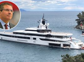 Dono do time de futebol americano Washington Redskins 'causa' ao atracar seu iate de R$694 mi em Cannes