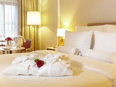Dia dos Namorados do L'Hotel PortoBay São Paulo tem jantar especial e hospedagem com décor romântico