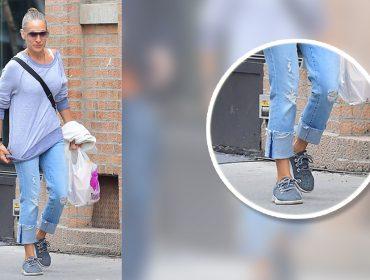 Sarah Jessica Parker troca 'Manolos' por sneakers tecnológicos e sustentáveis de R$370