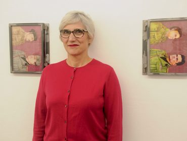 Dora Longo Bahia abre a exposição na Galeria Vermelho