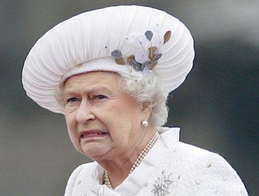 Elizabeth II não quer saber de se meter nas brigas entre William e Harry. Entenda porque!