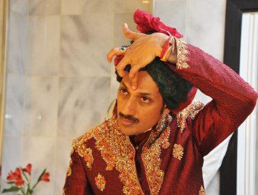 """Príncipe gay indiano que abriu palácio para comunidade LGBT celebrou o """"pride"""" de NY no fim de semana"""