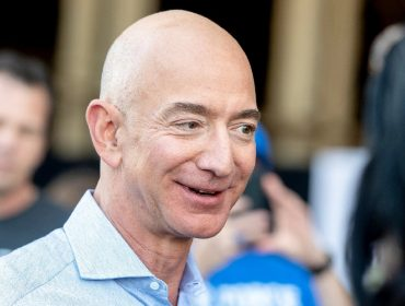 """Até Jeff Bezos, que é concorrente da Netflix, maratonou e curtiu a nova temporada de """"Stranger Things"""""""
