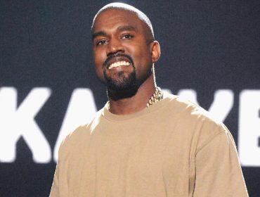 "Kanye West entra na justiça para registrar a expressão ""Sunday Service"". Lá vem polêmica…"