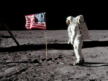 Muito além da Lua: conheça 5 bilionários que sonham com a conquista do espaço e investem pesado na ideia