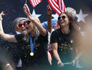 Seleção feminina dos EUA comemorou conquista da Copa do Mundo a bordo de mega-iate de R$ 375,8 mi