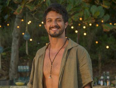 """Romulo Estrela lida bem com nudez – e a mulher dele também: """"Temos um ciúme saudável, por isso estamos juntos há mais de dez anos"""""""