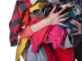 Britânicos devem gastar R$ 13,5 bilhões neste verão em roupas que só serão usadas uma vez. Entenda!