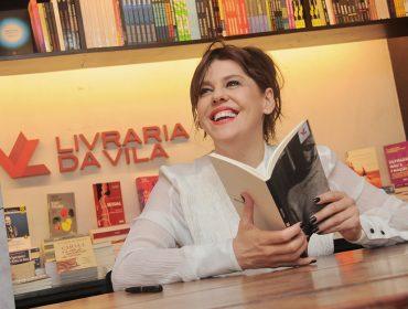 Bárbara Paz lança 'Mr. Babenco' com noite de autógrafos na Livraria da Vila