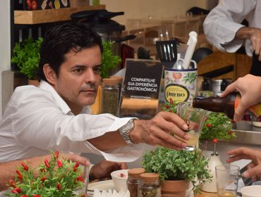 Phebo convida pais para aula de culinária no Rio