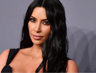 """Kim Kardashian exagera no Photoshop e vira piada no Instagram: """"Quem é essa aí?"""""""
