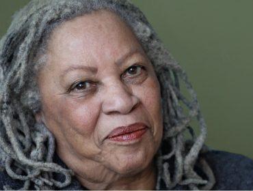 Primeira autora negra a receber o Nobel de Literatura, Toni Morrison morre aos 88 anos nos EUA