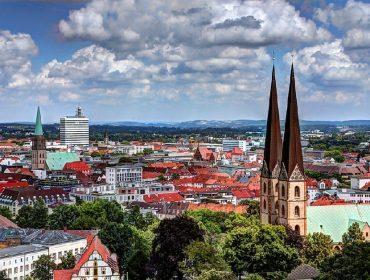 """Cidade alemã """"vítima"""" de teorias conspiratórias vai pagar pequena fortuna para quem provar sua existência. Aos fatos!"""