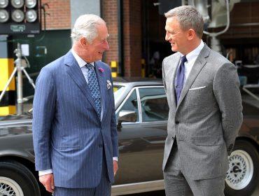 """Príncipe Charles é convidado para fazer ponta em novo filme sobre 007 e diz que """"vai pensar"""""""