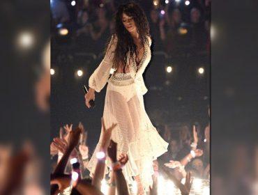 Camilla Cabello usou vestido made in Brazil no palco do VMA, premiação armada pela MTV. De que marca?