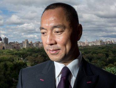 """Bilionário chinês chamado de espião pela """"CNN"""" processa canal e pede quase R$ 200 mi por danos morais"""