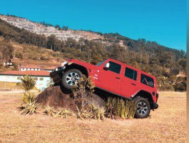Jeep armou dias de ação e aventura com o evento Jeep Experience Camp