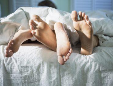 Sexo em baixa: O que está fazendo as pessoas a transarem menos? Aos fatos