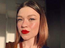 Maquiadora Savana Sá ensina dicas para a make durar mais do que o mês de agosto