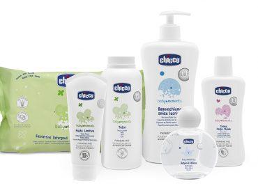 Chicco agora tem linha de cosméticos feitos especialmente para a pele dos bebês