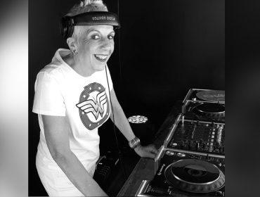 Morre Sonia Abreu, que fez história como a primeira DJ mulher do Brasil