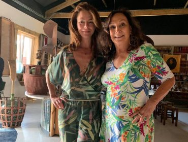 Silvana Tinelli recebe amigos no lançamento de seu livro na Comporta