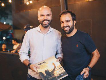 Haute celebra 10 anos com agito na Livraria da Vila