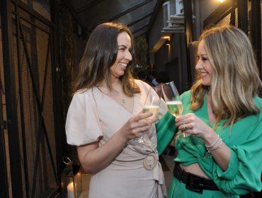 Melissa Cavagnoli e Amanda Volpato inauguram clínica Hope com agito