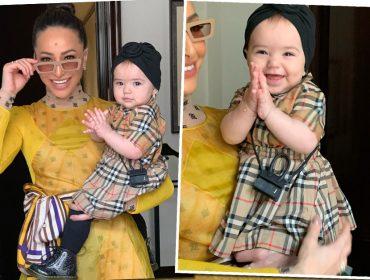 Pequena fashionista: Zoe Sato comemora seus 10 meses em Paris com lookinho de 3 mil reais