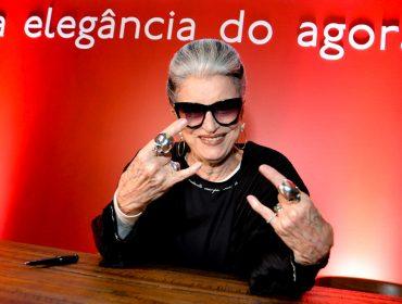 """Costanza Pascolato autografa o livro """"A elegância do agora"""" no Iguatemi SP"""