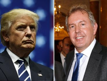"""Elizabeth II vai conceder honraria das grandes a diplomata que chamou Trump de """"inepto"""""""