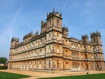 """Um tour pelo castelo de """"Downton Abbey"""", que em breve poderá ser alugado por diárias a partir de R$ 775"""