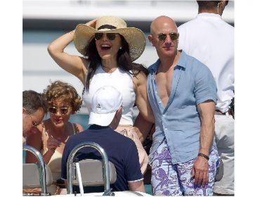 """De férias na Europa, Jeff Bezos usa """"técnica"""" popularizada por Leo DiCaprio para despistar os paparazzi"""