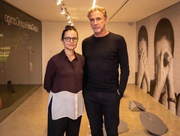 Studio OM.art recebe glamurettes na inauguração da mostra de Lygia Clark