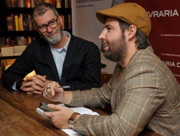 Noite de autógrafos do livro de Marcos Amaro e Ricardo Resende em São Paulo
