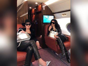 Kylie e Kris Jenner combinam look arrematado por bolsa rara da Hermès avaliada em R$ 627 mil