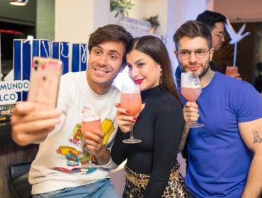 Karaokê com drinks Grey Goose agita convidados do influenciador Federico Devito