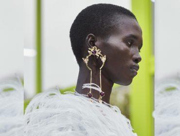Desejo do Dia: os maxi brincos extravagantes da nova coleção da Maison Valentino