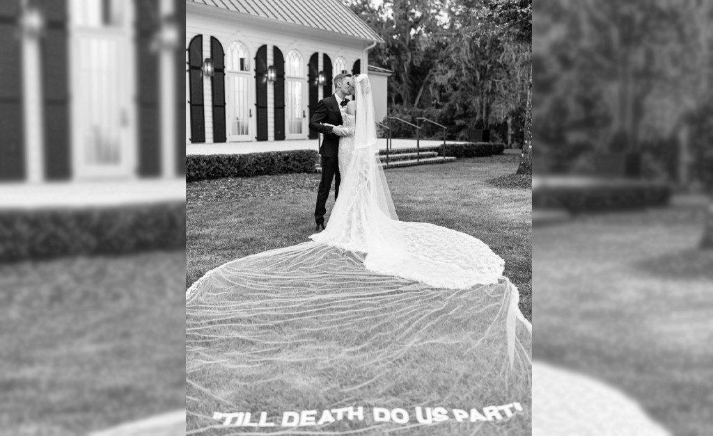 Resultado de imagem para vestido de hailey bieber ate que a morte nos separe
