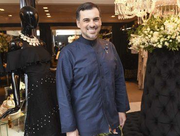 Sandro Barros desfila sua nova coleção Resort Blue Label