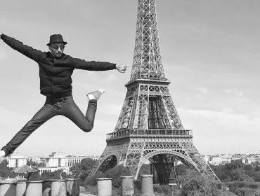 JR, fotógrafo e artista francês, está no Brasil e trouxe seu bff na bagagem: Pharrell Williams