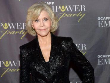 """""""Nunca mais vou comprar roupas"""" diz Jane Fonda ao usar o mesmo modelito em duas premiações"""